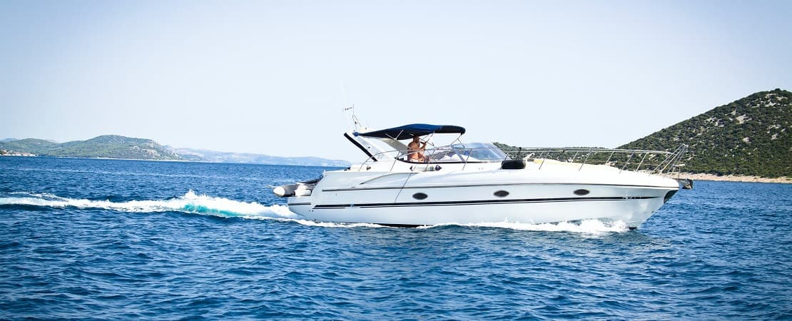 Small Yacht Rental Dubai